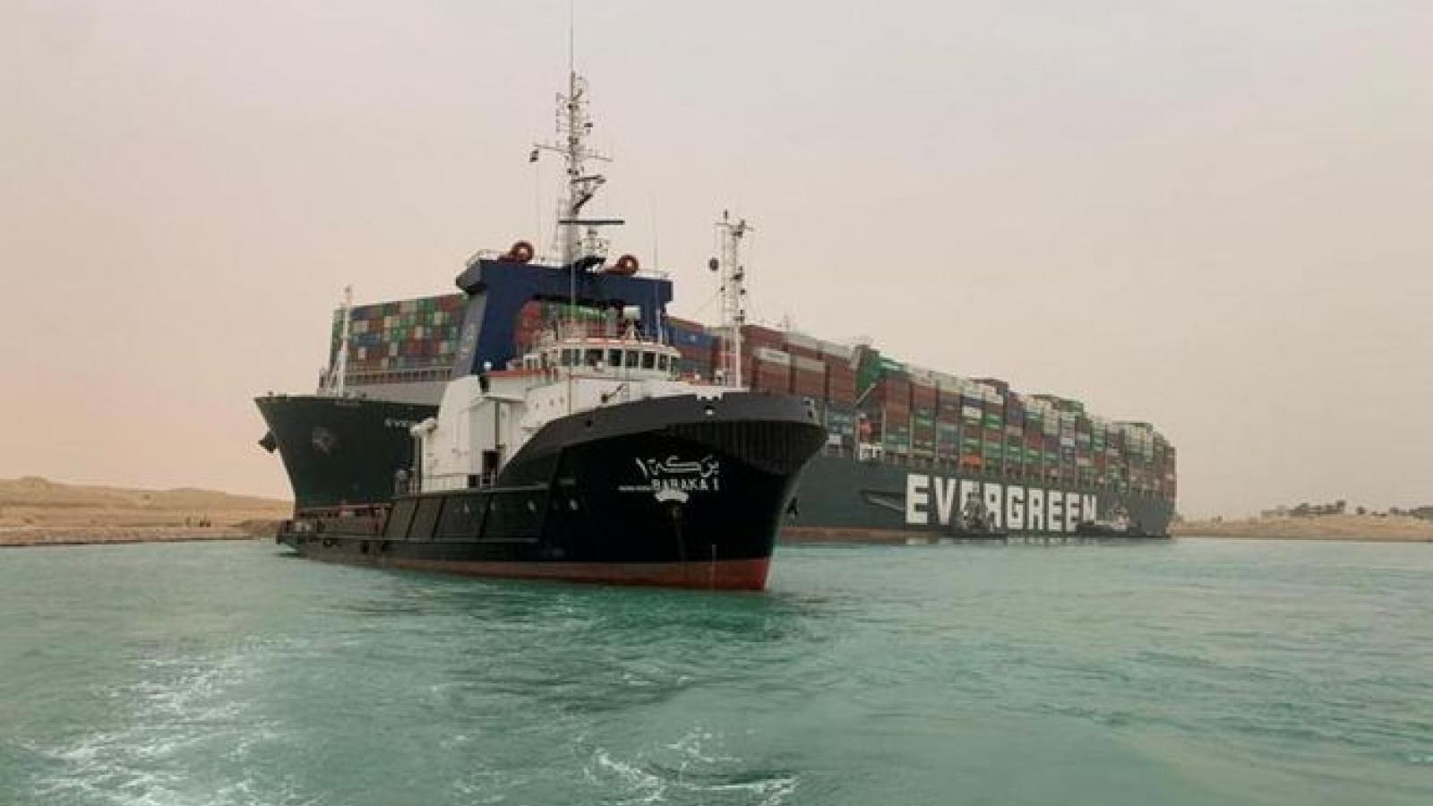 Kênh đào Suez tắc nghẽn có thể gây thiệt hại từ 6 - 10 tỷ USD một tuần