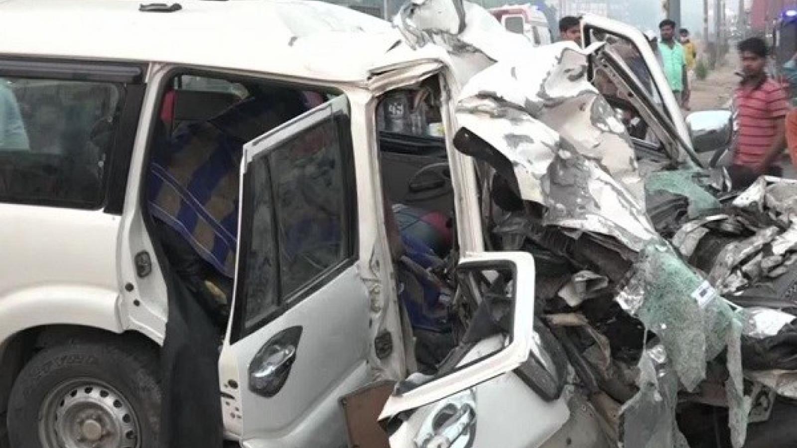 Ít nhất 9 người thiệt mạng trong vụ tai nạn giao thông ở Ấn Độ