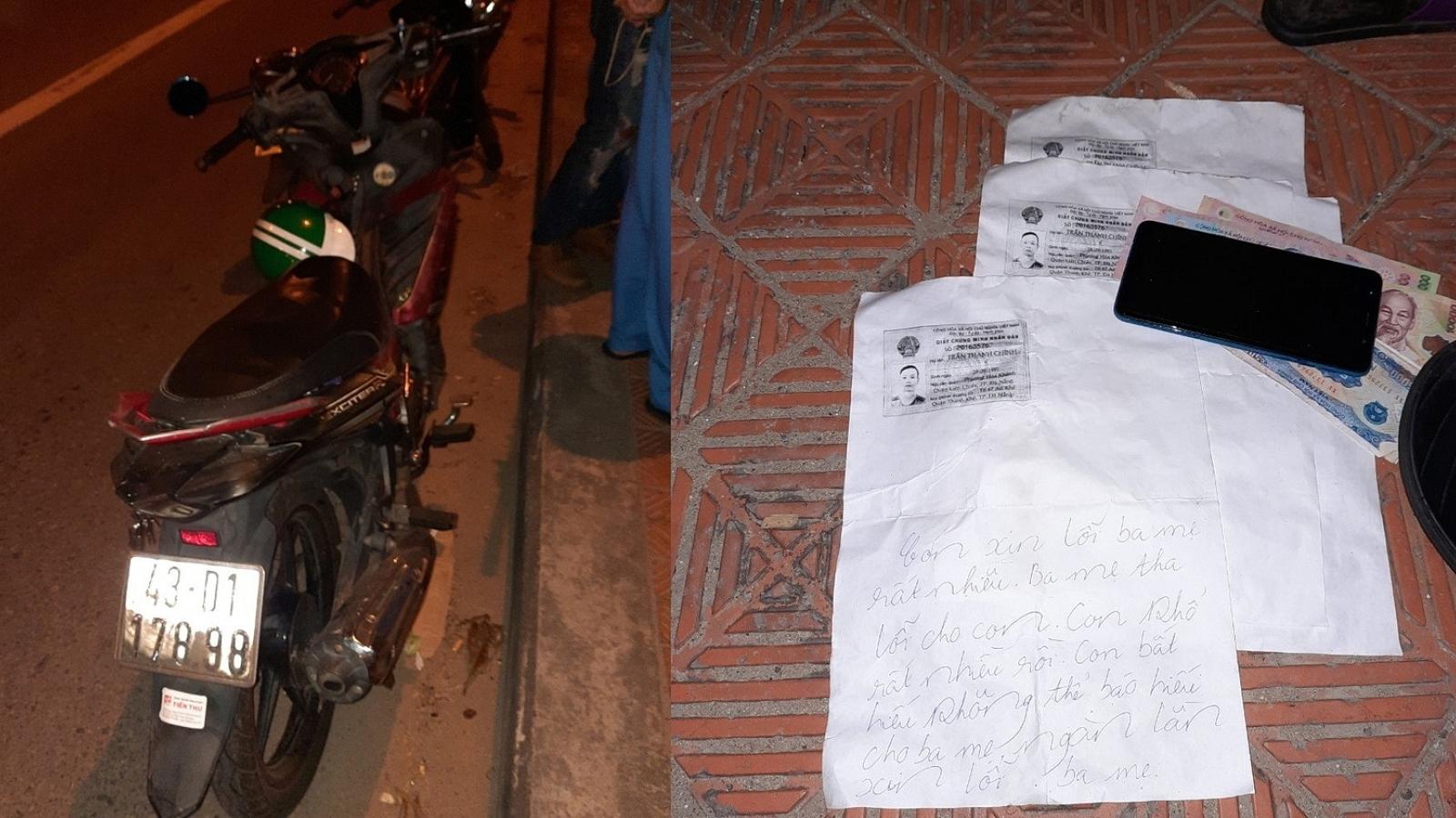 Phát hiện xe máy và thư tuyệt mệnh của tài xế Grab bỏ trên cầu