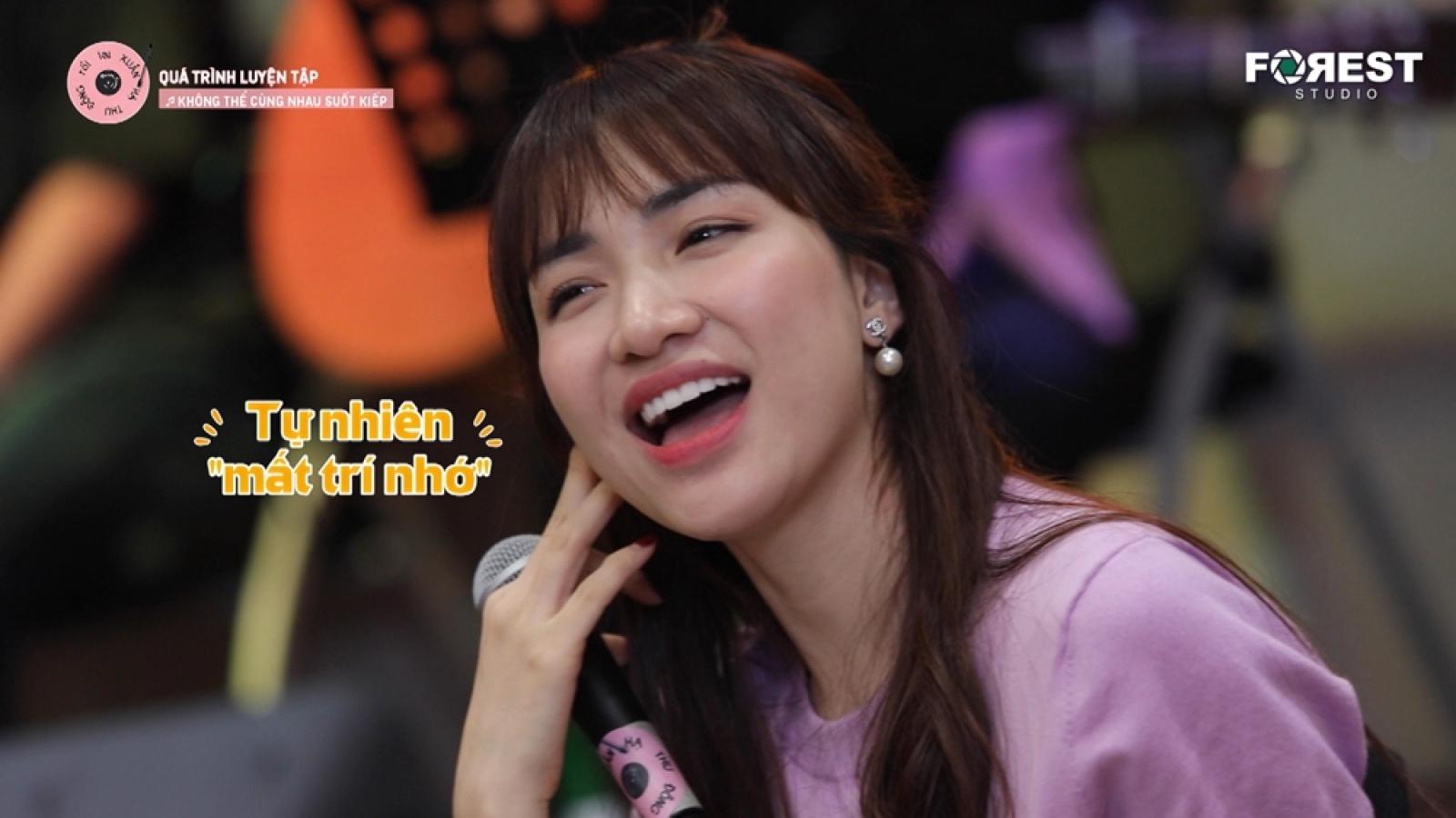 Hoà Minzy thừa nhận bị mất tinh thần sau khi tập hát cùng Uyên Linh