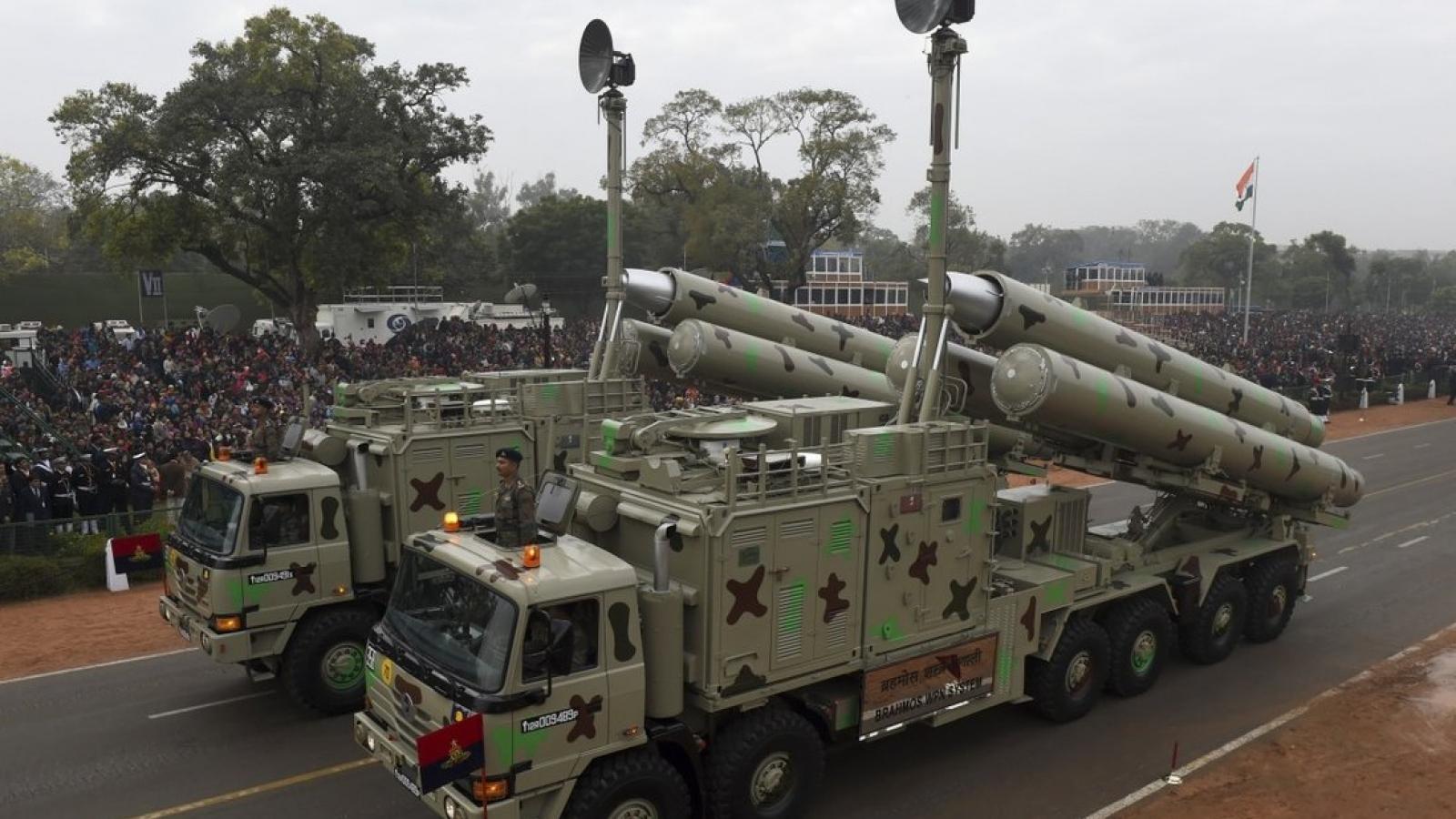 Tên lửa, vaccine và... Trung Quốc khiến Philippines và Ấn Độ xích lại gần nhau