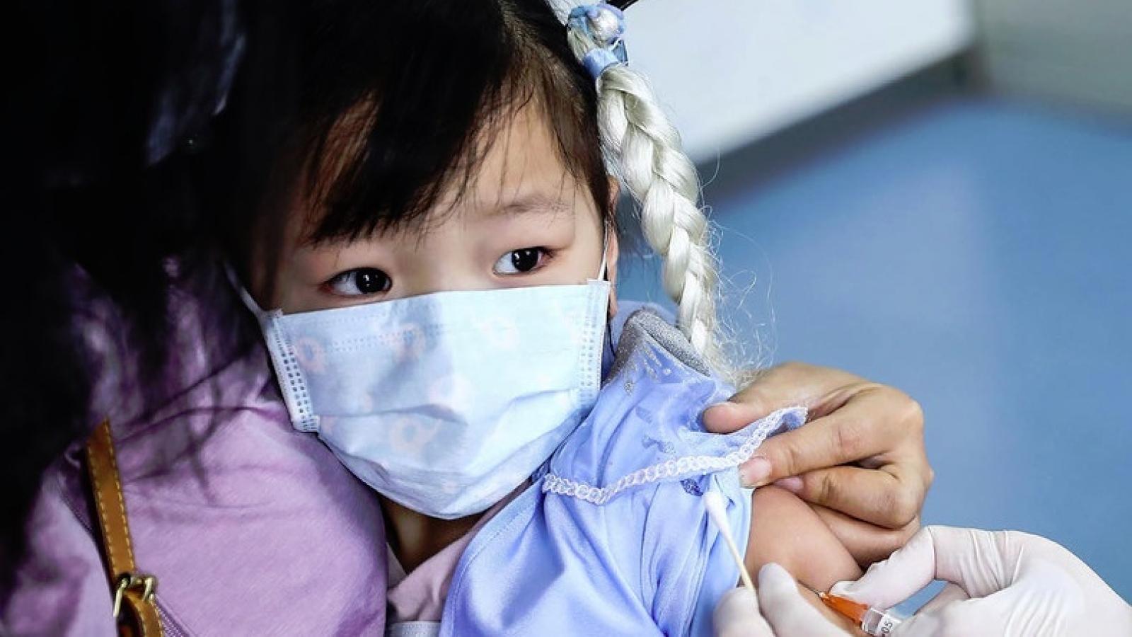 Gần 4% dân số toàn cầu tiêm vaccine, Hàn Quốc kết luận 8 ca tử vong không phải do vaccine