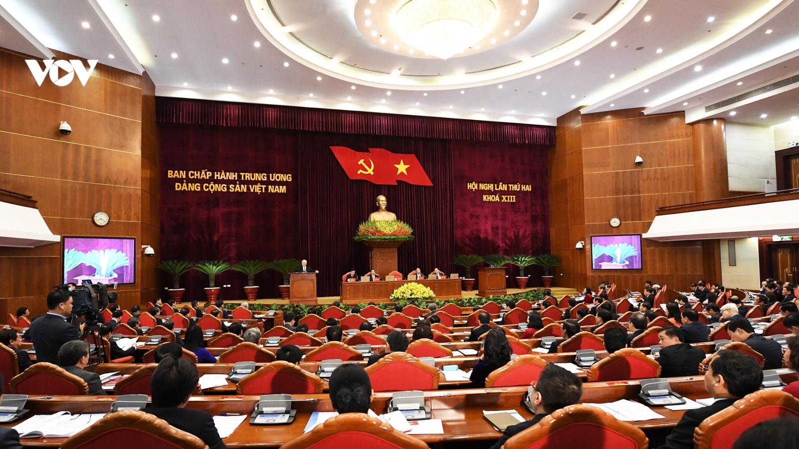Thông cáongày làm việc thứ nhất của Hội nghị Trung ương 2