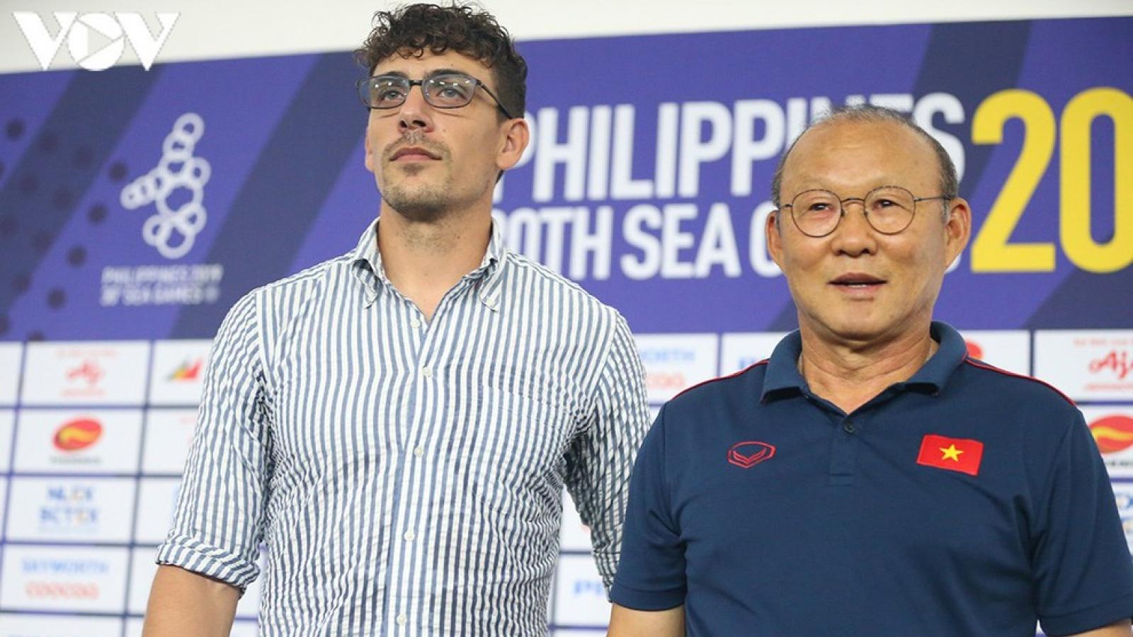 HLV giúp bóng đá Campuchia vào bán kết SEA Games bị sa thải