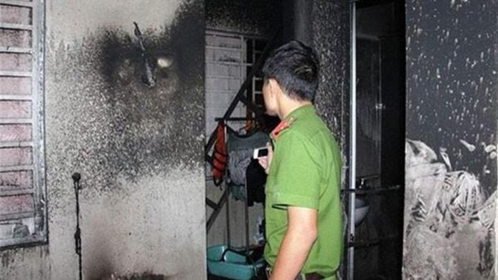 Giận người thân, ông già ở Củ Chi phóng hỏa đốt 3 căn nhà