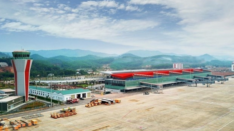 Van Don international airport reopens after a month long COVID-19 hiatus