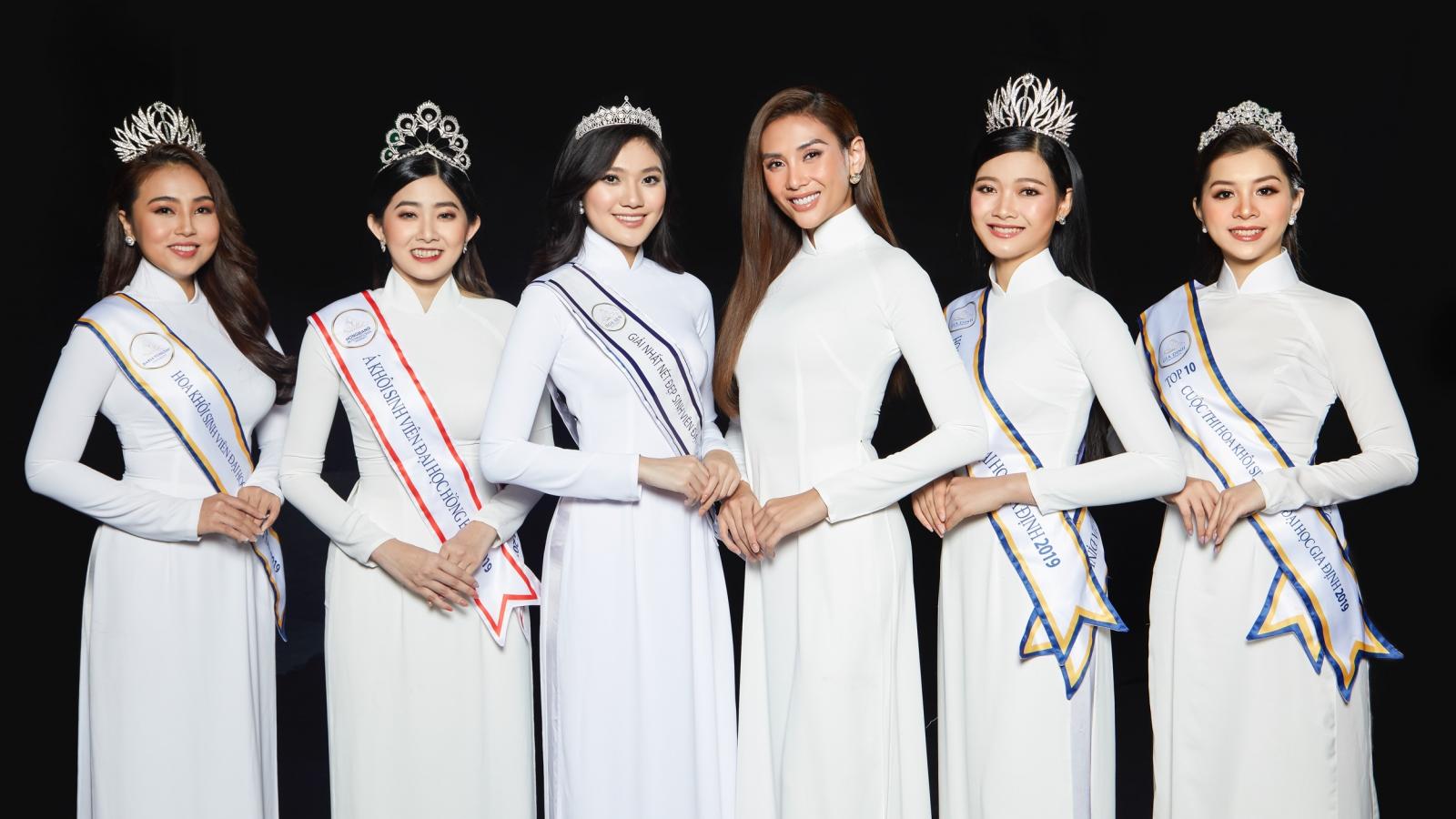 Siêu mẫu Võ Hoàng Yến mặc áo dài trắng thướt tha như nữ sinh trong bộ ảnh mới