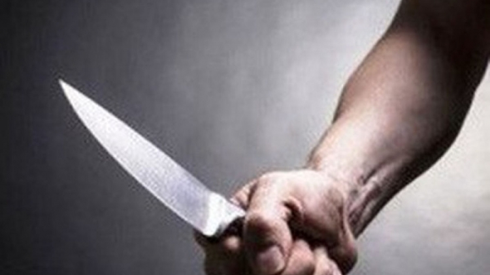 Bé gái 4 tuổi bị bác họ dùng dao sát hại