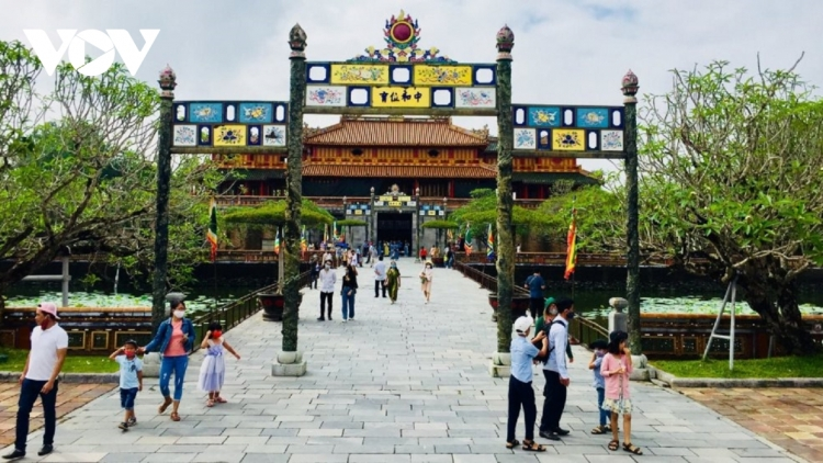 Hue offers 50% discount when visiting historical sites