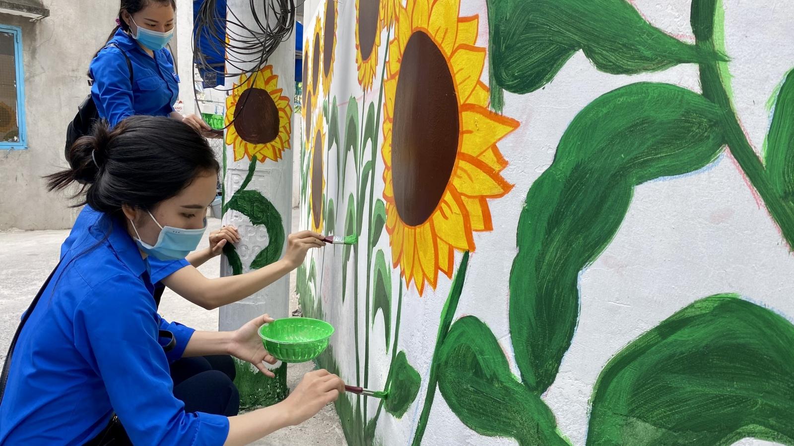 """Bức tường mang thông điệp """"xanh"""" của tuổi trẻ Cần Thơ"""