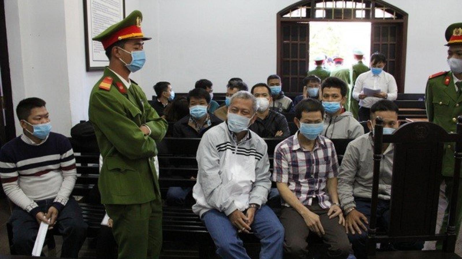 39 bị cáo vụ xăng dầu giả đường dây Trịnh Sướng hầu tòa