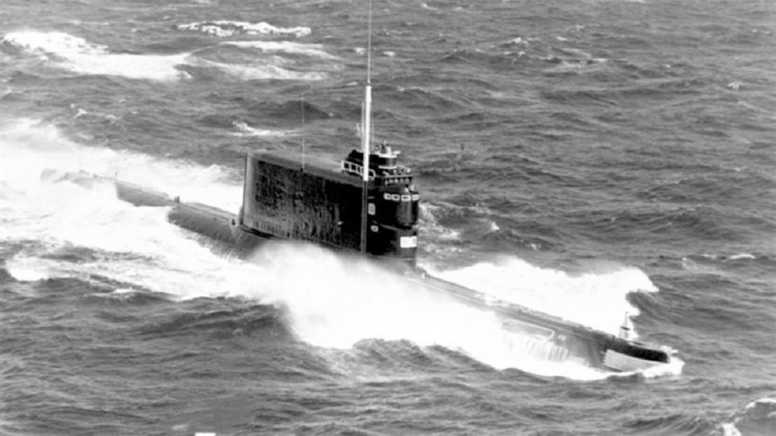 Dự án Azorian - Mỹ đánh lạc hướng để trục vớt tàu ngầm Liên Xô K-129 gặp nạn