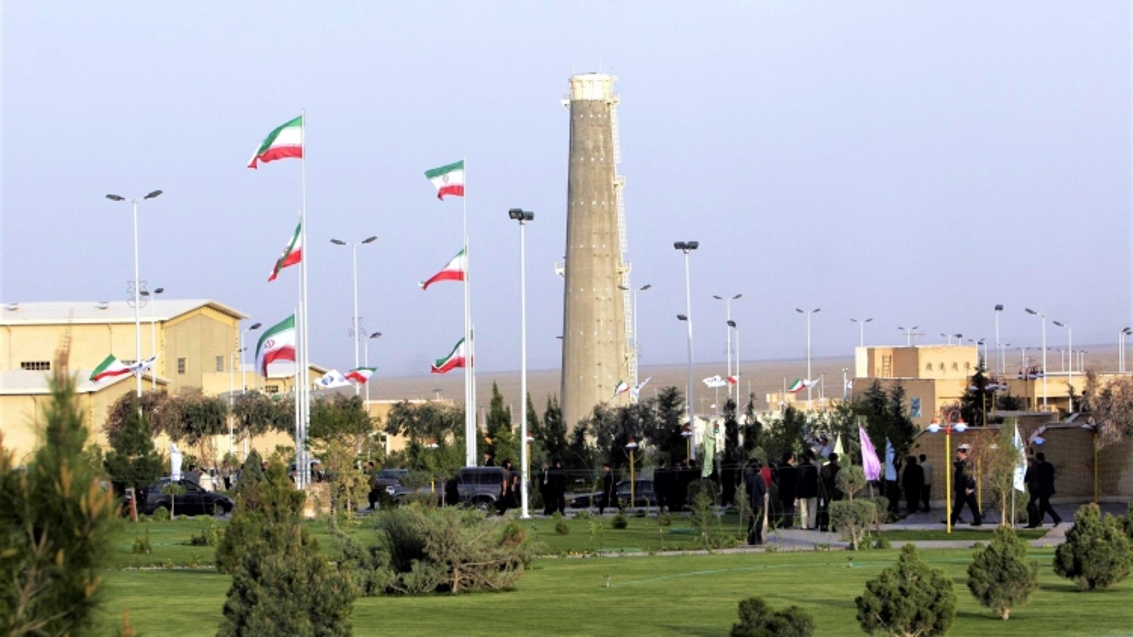 Israel phá hoại cơ sở hạt nhân Natanz của Iran: Đối đầu leo thang