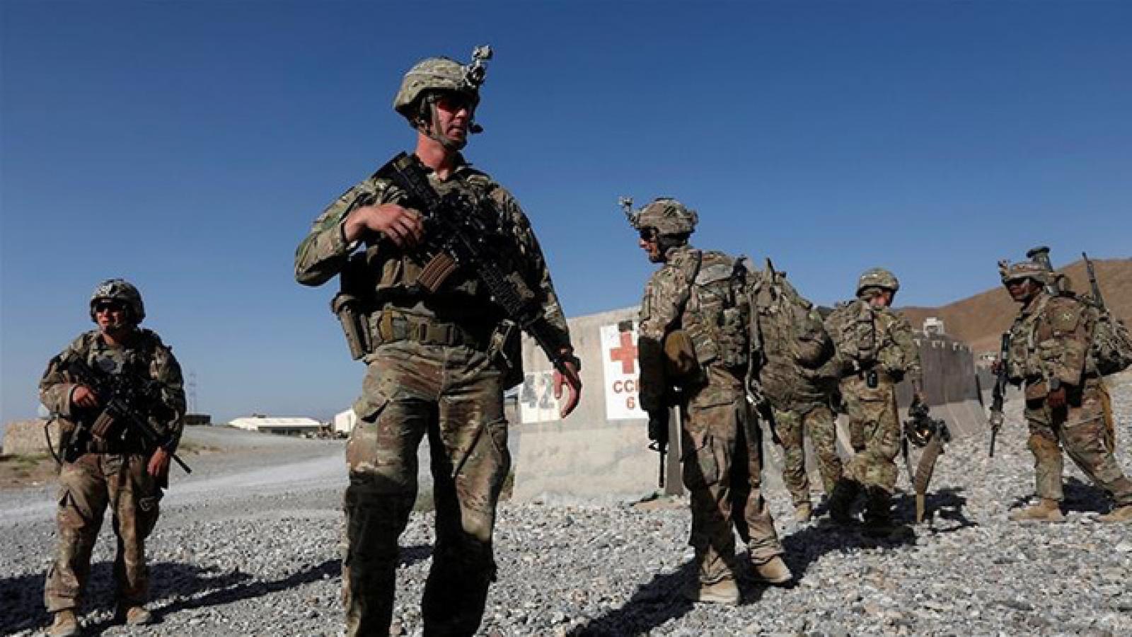 Mỹ bắt đầu chuyển trang thiết bị quân sự ra khỏi Afghanistan