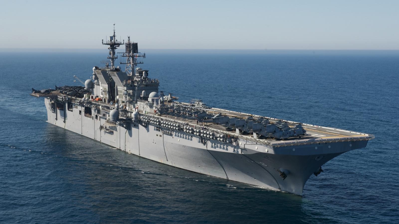 """Tàu sân bay và tàu đổ bộ Mỹ hội tụ trên Biển Đông khiến Trung Quốc """"lạnh gáy"""""""