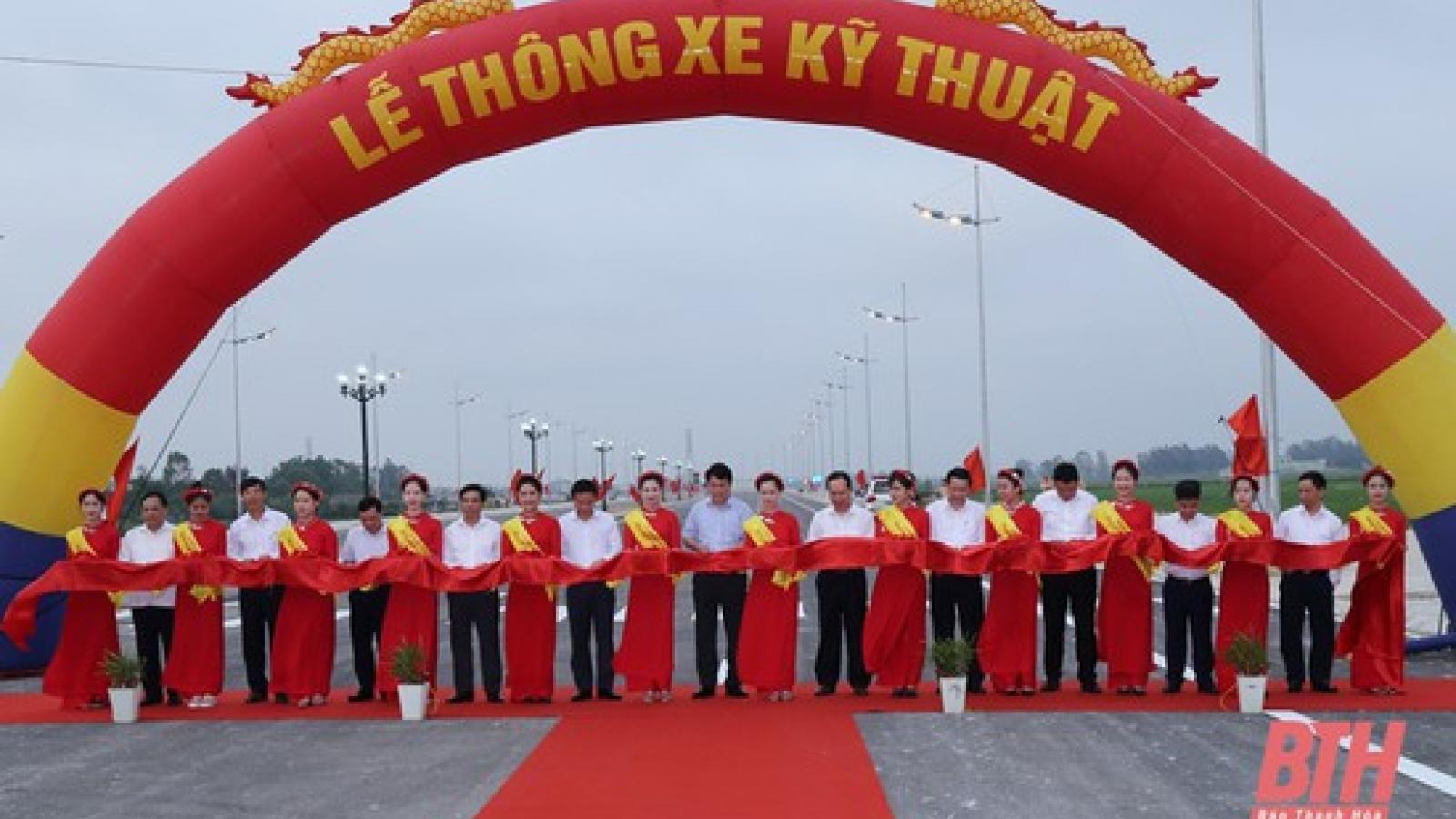 Thanh Hoá thông xe kỹ thuật dự án đường nối Sầm Sơn với Khu kinh tế Nghi Sơn