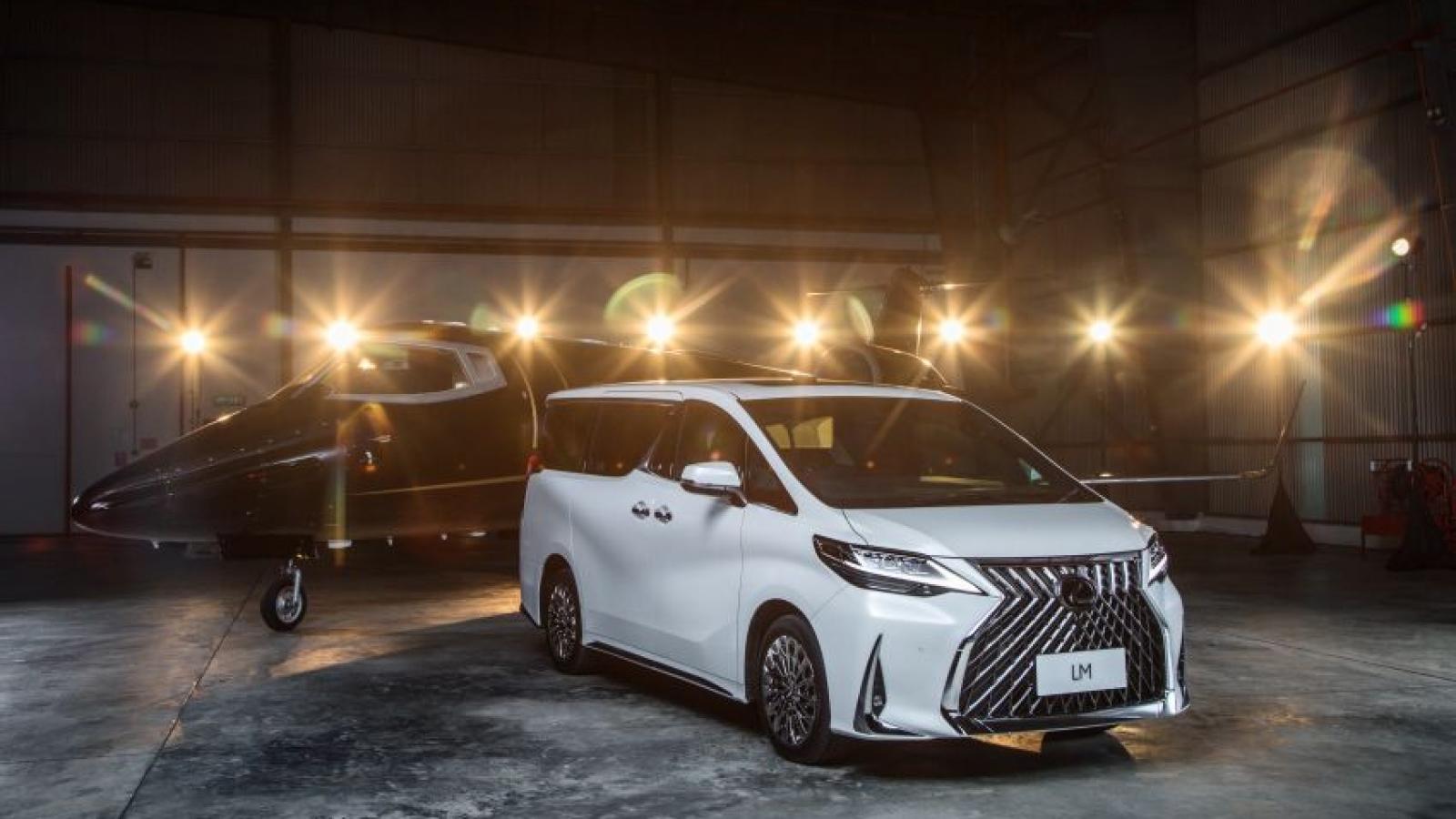 Lexus LM 350 giá hơn 6 tỷ đồng tại Malaysia có gì đặc biệt?
