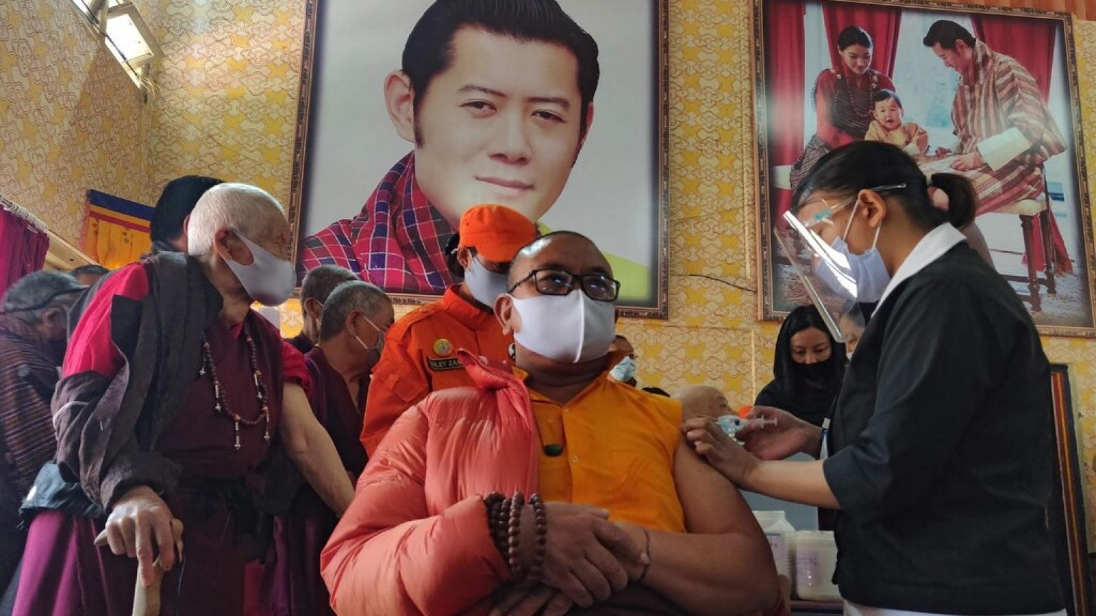 Vương quốc hạnh phúc Bhutan và chiến dịch tiêm vaccine Covid-19 vượt cả Mỹ, Anh
