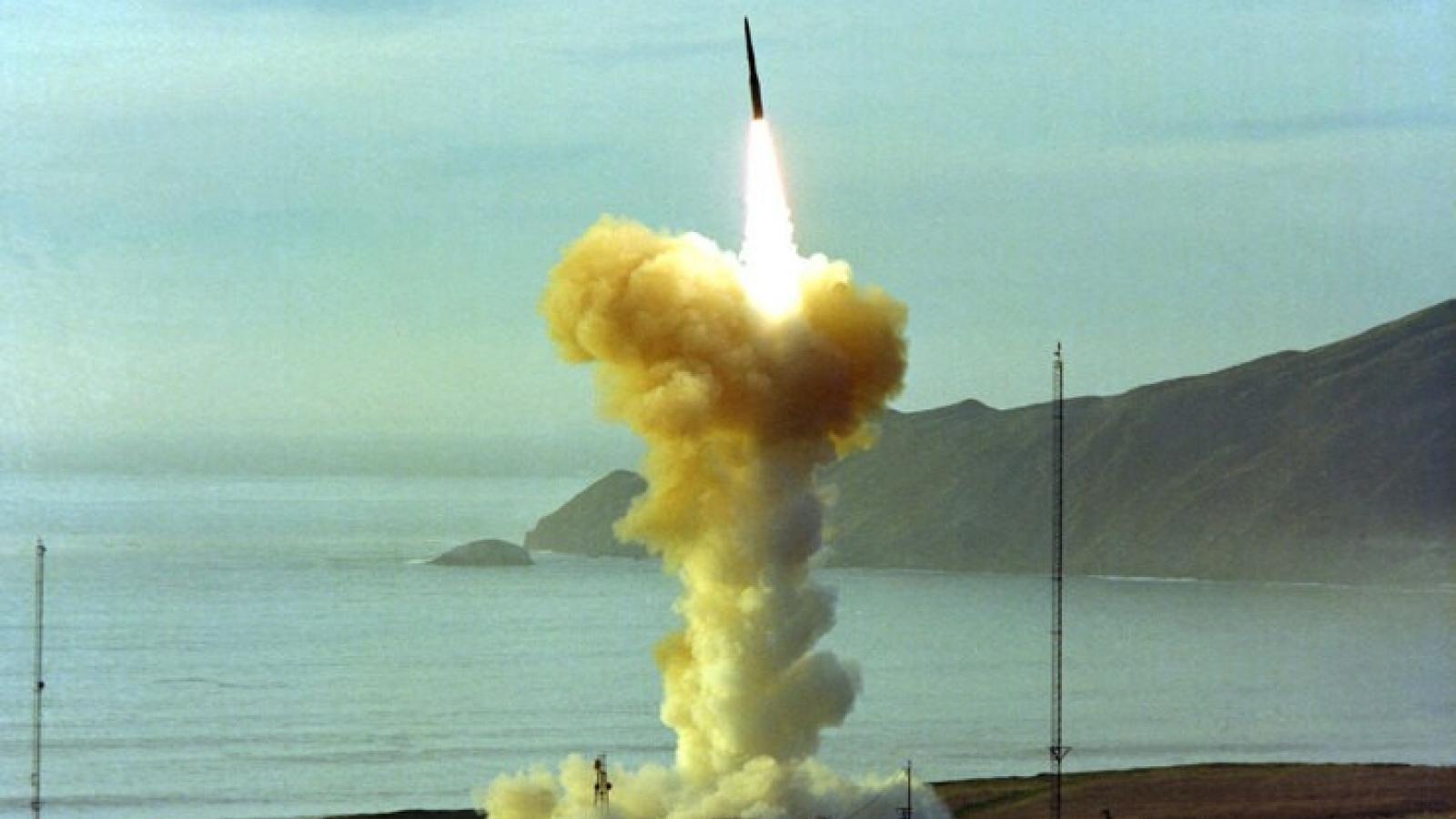 Mỹ sử dụng máy bay ném bom để thay thế ICBM hạt nhân?