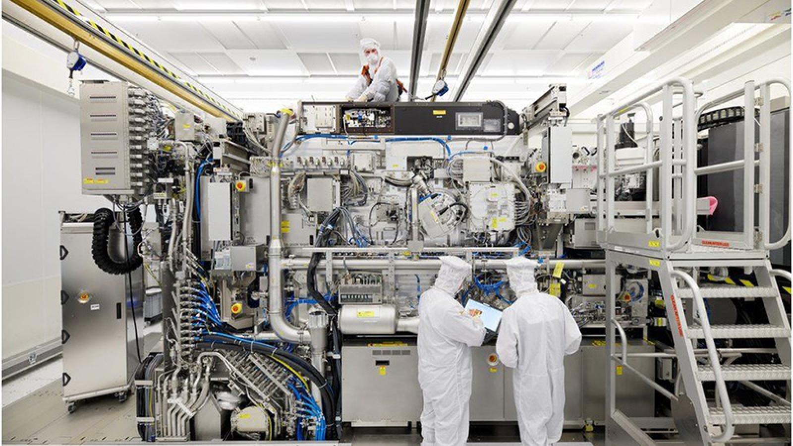 Các ông lớn công nghệ cắt giảm sản lượng vì thiếu hụt chip toàn cầu