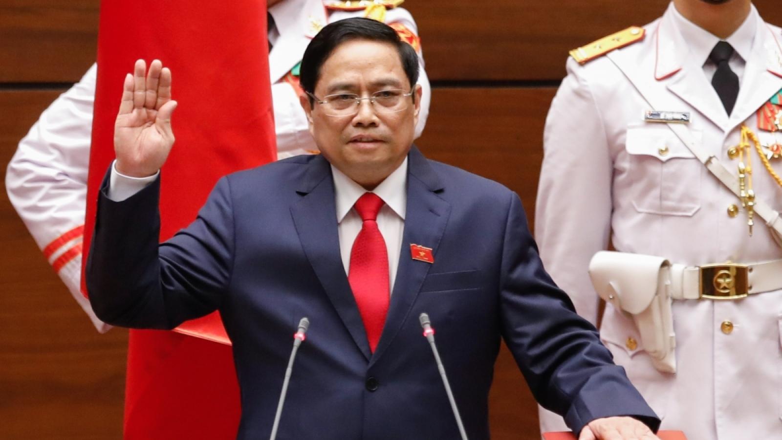 ĐBQH kỳ vọng tân Thủ tướng Chính phủ quyết liệt hành động, liêm chính
