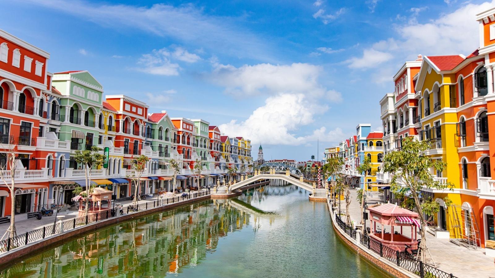 """Từ """"thủ phủ"""" du lịch bán lẻ trên thế giới tới """"thành phố không ngủ"""" ở Việt Nam"""