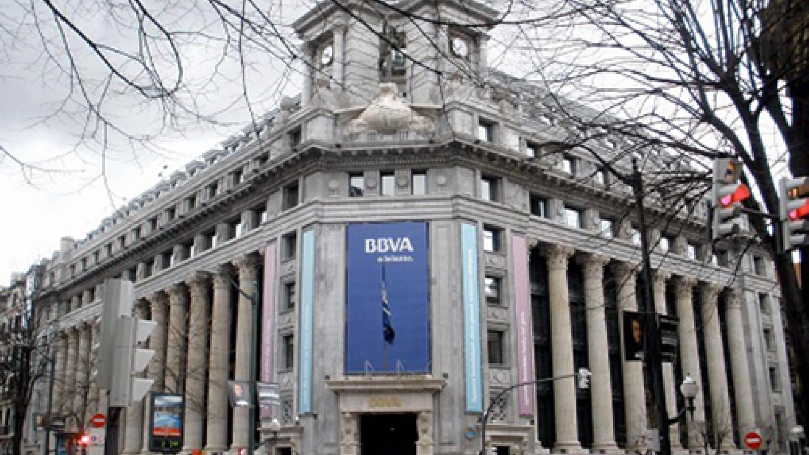 Ngân hàng lớn thứ 2 Tây Ban Nha có kế hoạch sa thải 3.000 nhân viên