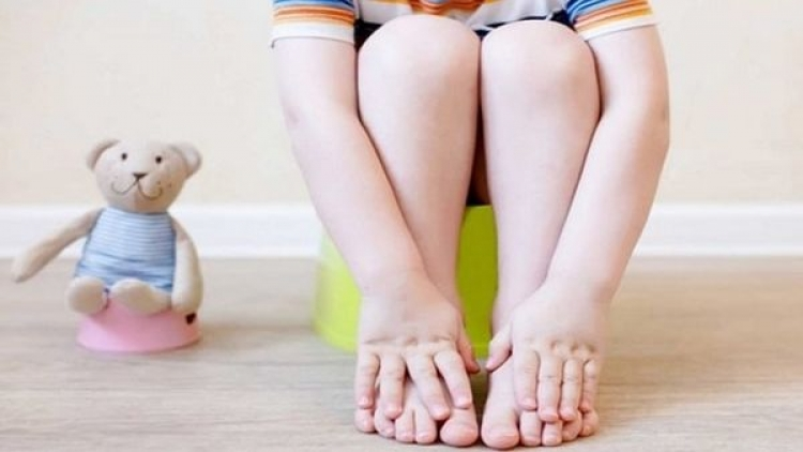 Bố mẹ chủ quan khiến trẻ bị táo bón phải cắt đại tràng