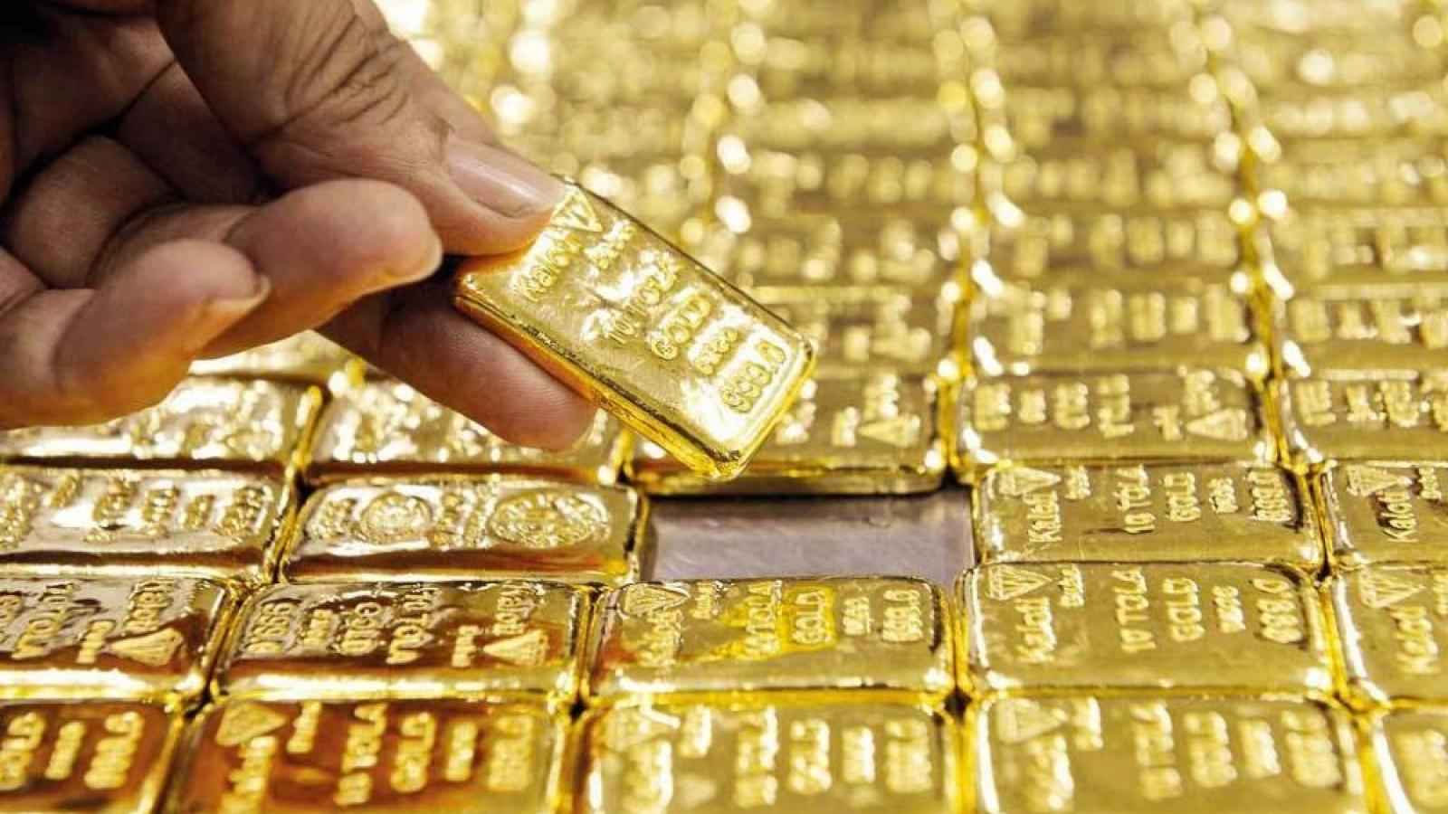 Giá vàng thế giới tăng nhẹ, nhưng vẫn thấp hơn giá vàng SJC khoảng 6,8 triệu đồng/lượng