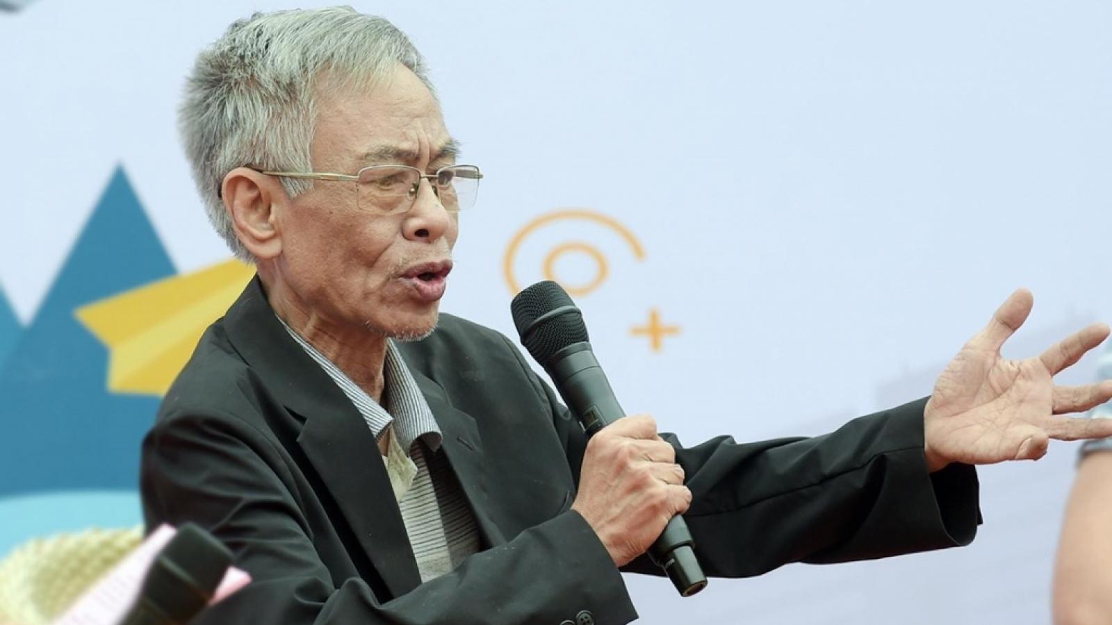 """Vĩnh biệt Hoàng Nhuận Cầm - """"Người đọc thơ mê đắm"""""""