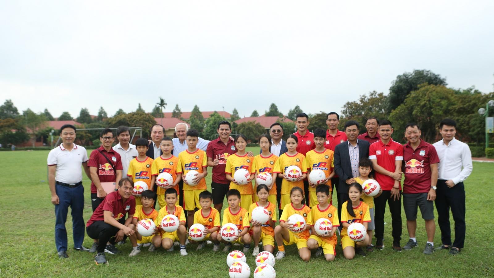 HAGL và Thanh Hóa chung tay làm từ thiện trước cuộc đọ sức ở V-League