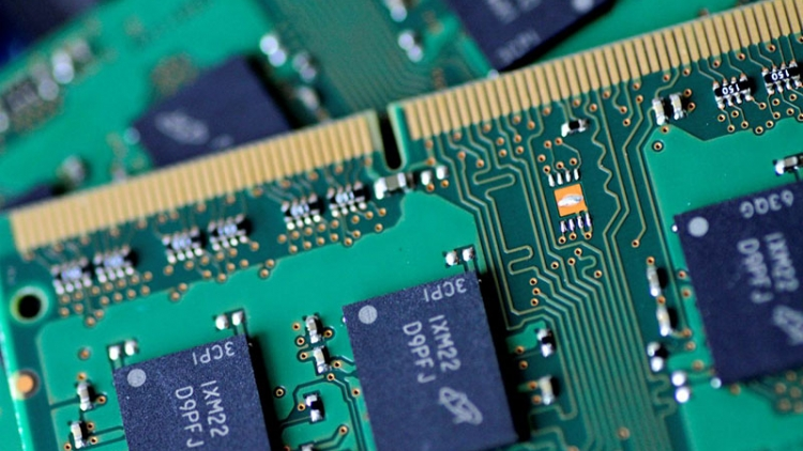 Vì sao chip toàn cầu thiếu hụt trầm trọng khiến giới công nghệ lao đao?