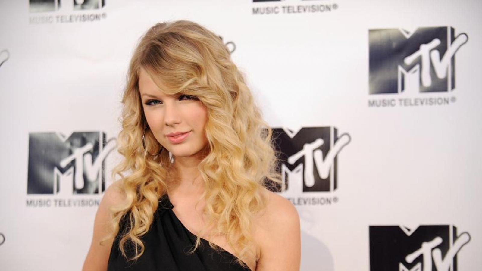 Album mới của Taylor Swift thống trị bảng xếp hạng Spotify