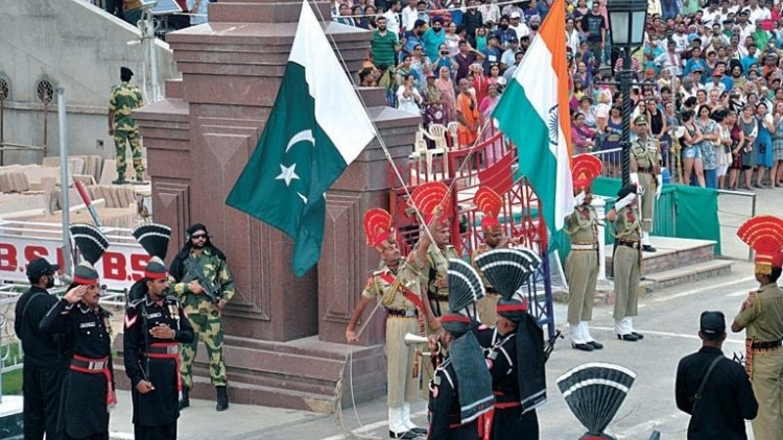 Ấn Độ, Pakistan bí mật tiếp xúc nhằm hàn gắn quan hệ song phương