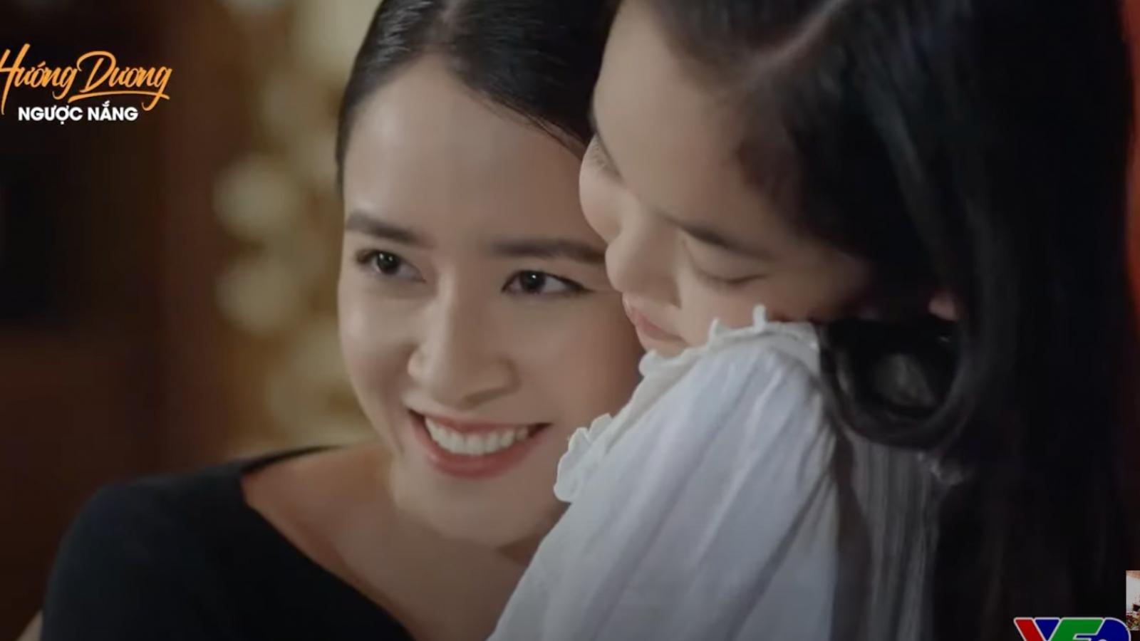 """""""Hướng dương ngược nắng"""" tập 60: Mẹ bé Cami rạng rỡ gặp Hoàng"""