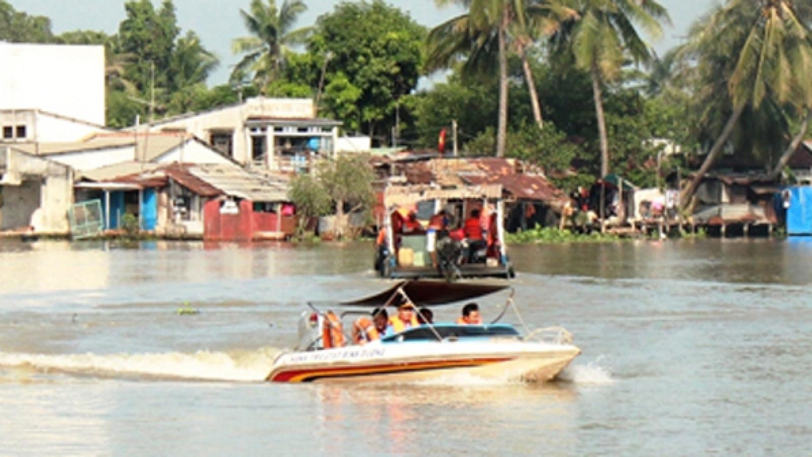 """Nghi vấn """"làm luật"""" trên sông Đồng Nai, 3 cảnh sát ở Bình Dương bị tạm đình chỉ công tác"""