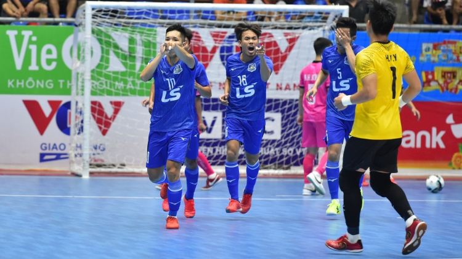 Giải Futsal HDBank VĐQG 2021: Thái Sơn Nam đè bẹp Zetbit Sài Gòn