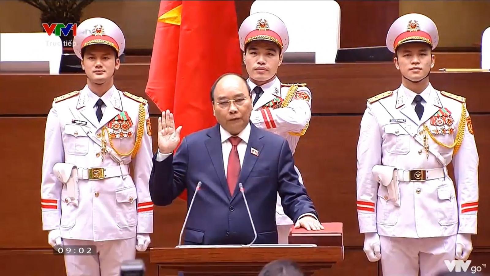 Clip Chủ tịch nước Nguyễn Xuân Phúc tuyên thệ nhậm chức