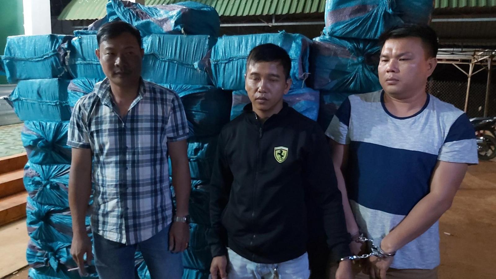 Buôn lậu 18.000 bao thuốc lá, 3 người bị khởi tố