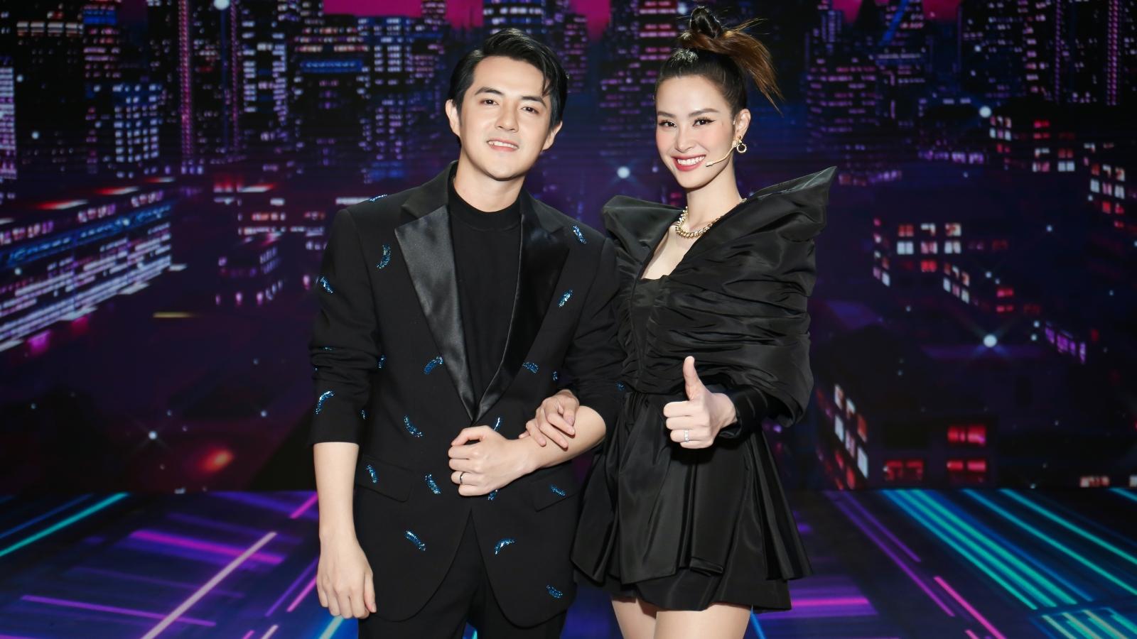 Đông Nhi - Ông Cao Thắng sánh đôi làm giám khảo Giọng hát Việt nhí 2021