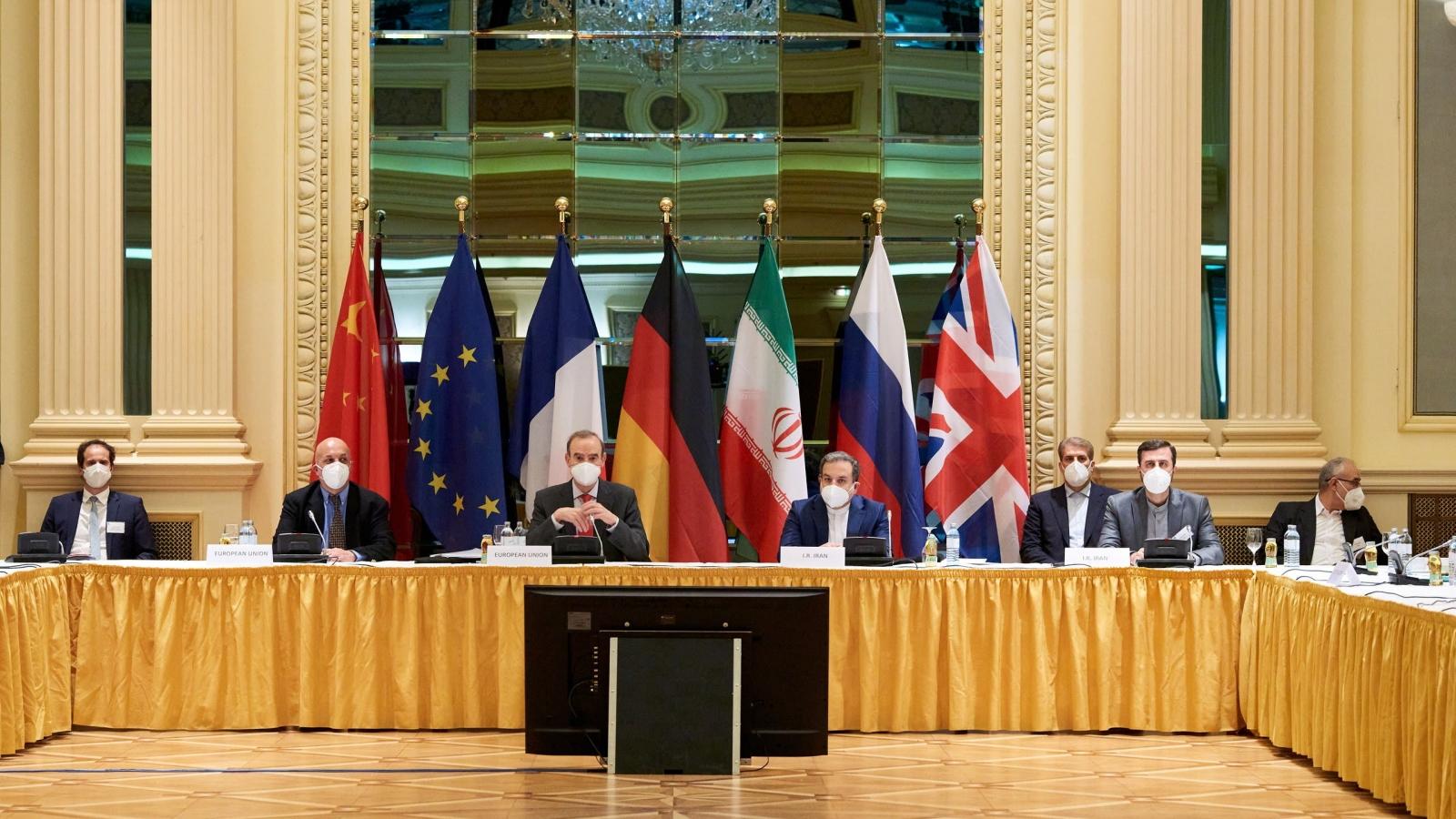 """Dư luận sau ngày đầu tiên đàm phán """"làm sống lại"""" thỏa thuận hạt nhân Iran"""