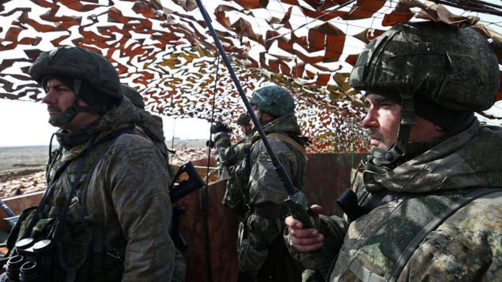 Lý giải nguyên nhân đằng sau việc Nga tăng cường lực lượng ở biên giới Ukraine