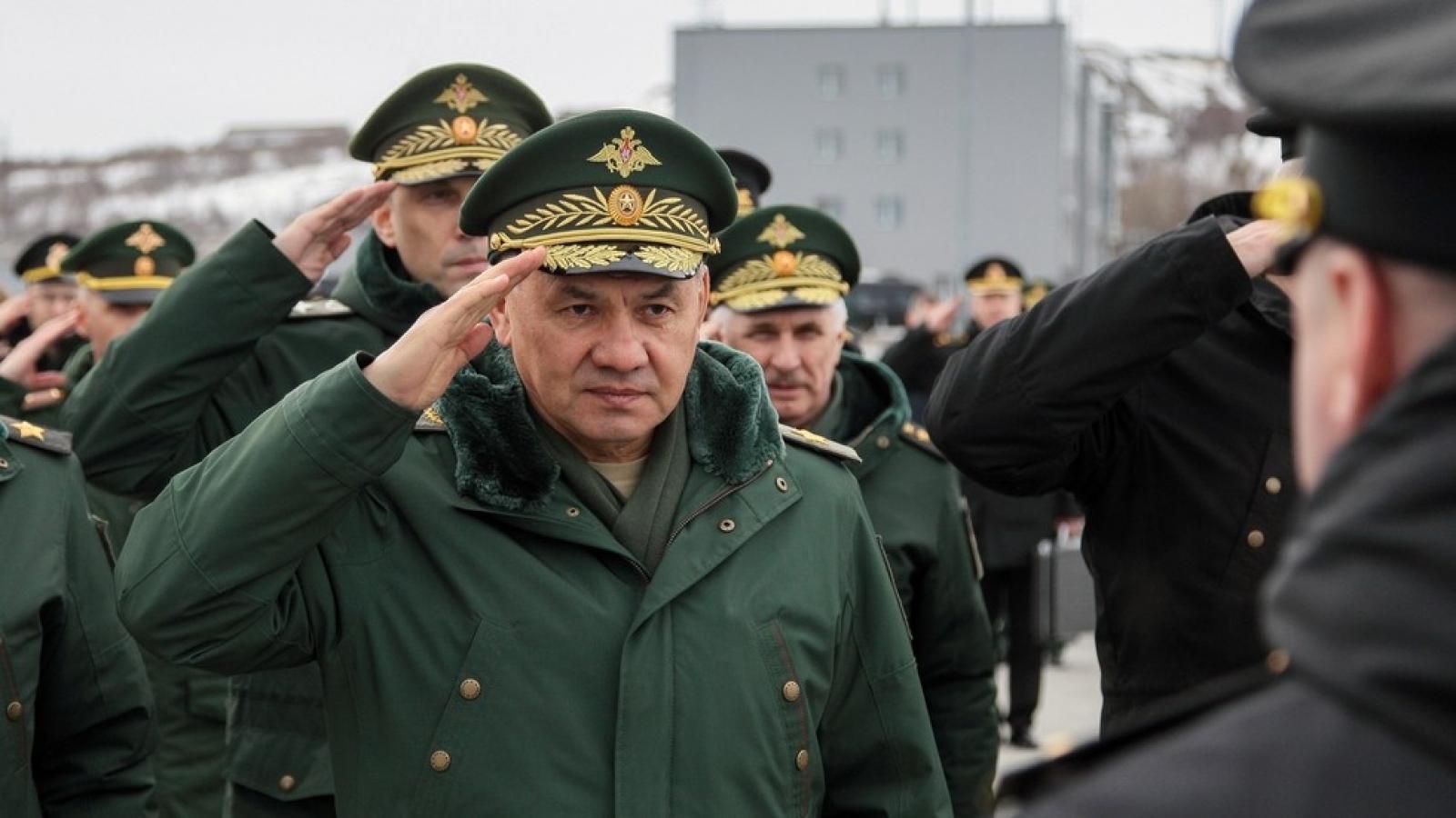 """Căng thẳng miền đông Ukraine nóng lên, Nga tuyên bố quân đội """"sẵn sàng chiến đấu"""""""