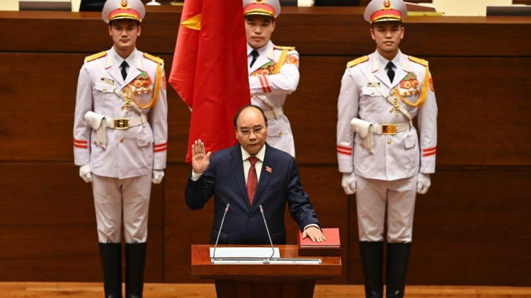 Politburo member Nguyen Xuan Phuc elected new State President