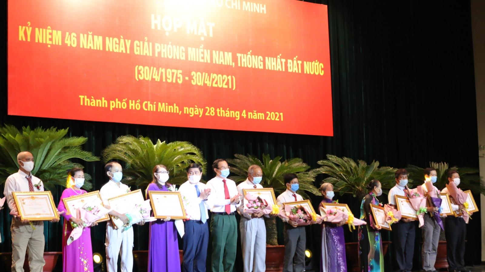 TPHCM họp mặt kỷ niệm 46 năm Ngày giải phóng miền Nam