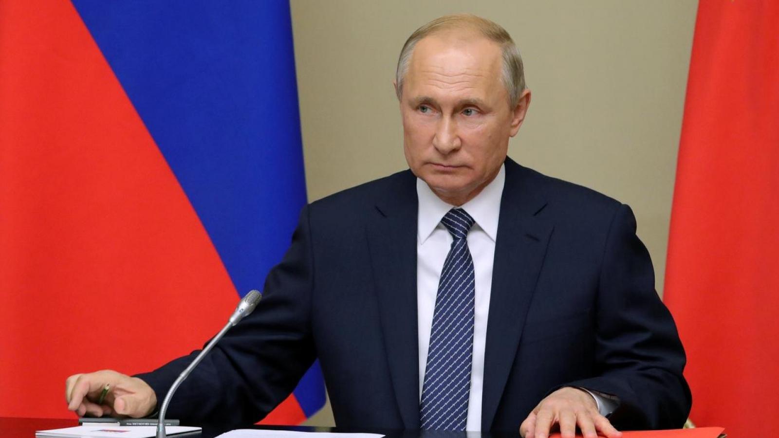 Tổng thống Nga V.Putin ký luật cho phép ông tái tranh cử