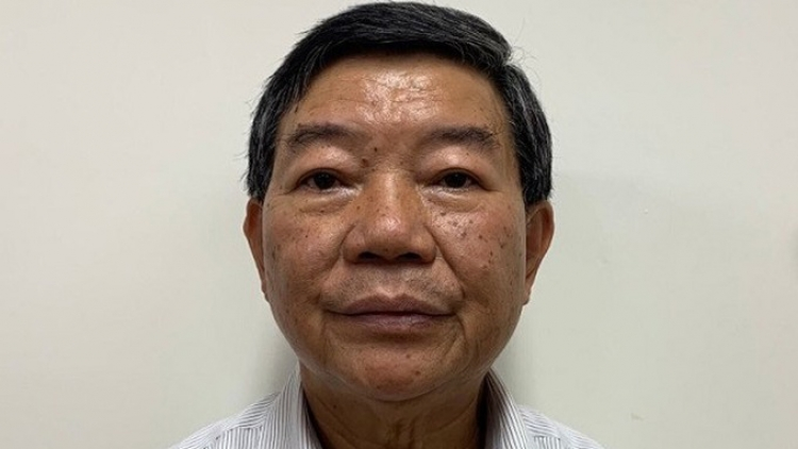 Cựu Giám đốc bệnh viện Bạch Mai hưởng lợi 10.000 USD như thế nào?