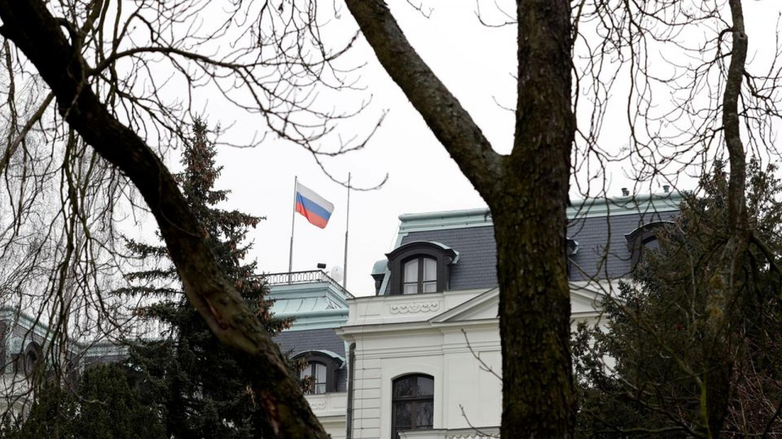 Nga trả đũa, trục xuất 20 nhà ngoại giao Séc