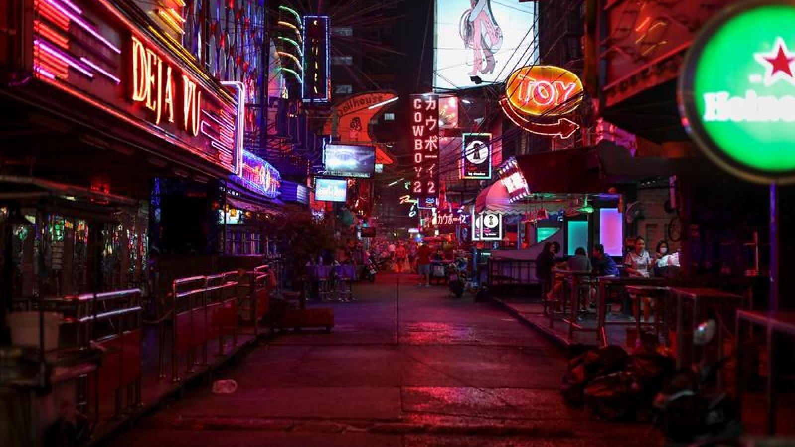 Thái Lan đóng cửa địa điểm giải trí ban đêm để phòng ngừa Covid-19