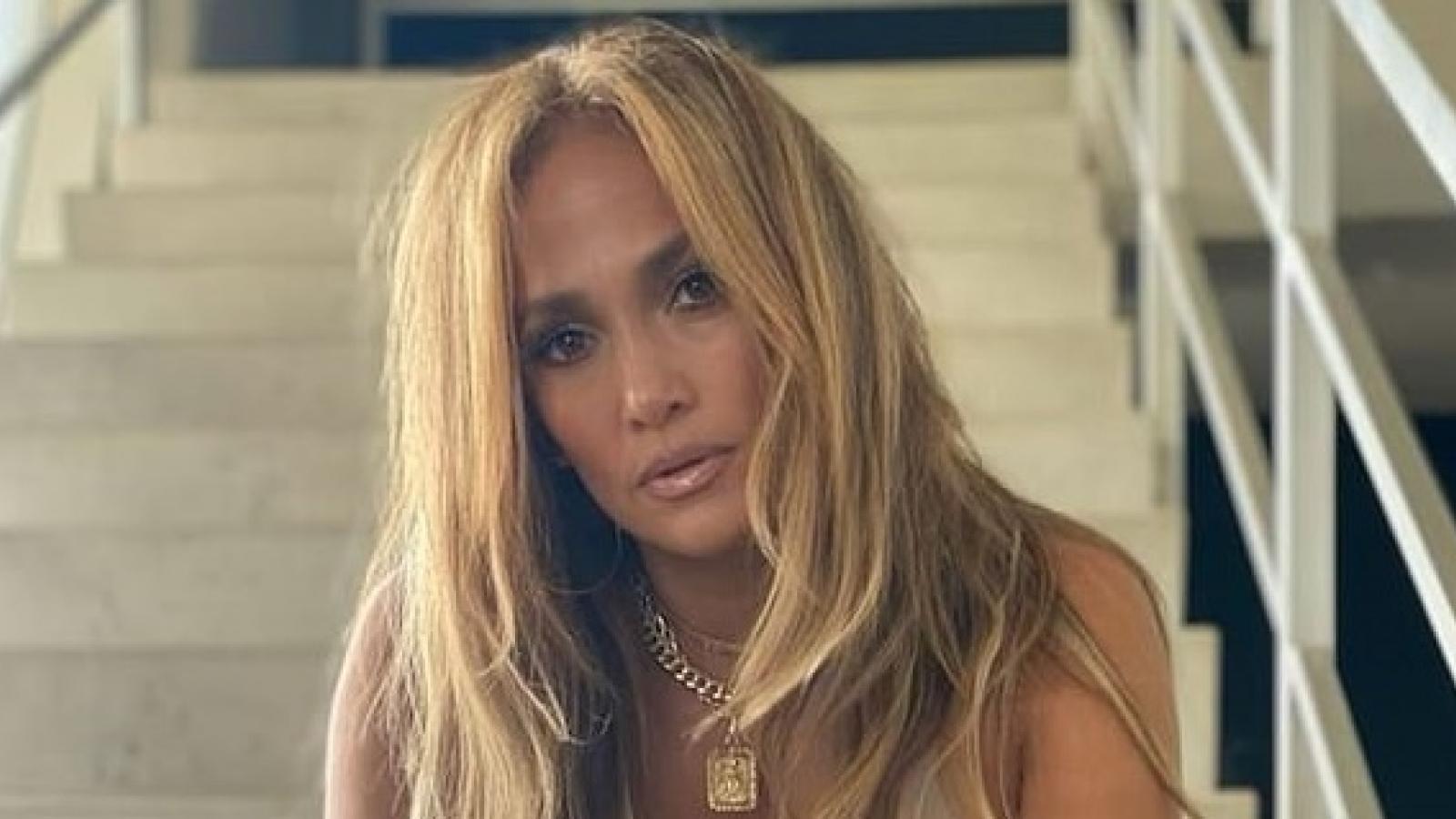 Jennifer Lopez xác nhận chia tay tình trẻ sau 4 năm hẹn hò